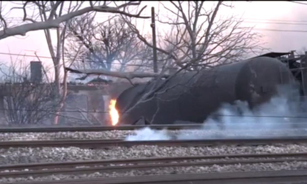 Photo of Komşu'da tren kazası! Ölü ve yaralılar var