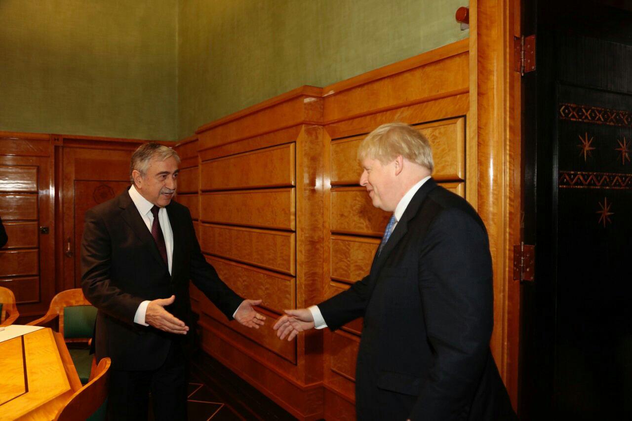 Photo of Akıncı, Johnson ile görüştü