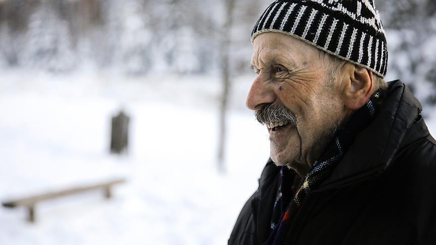 Photo of Bosnalı 'süper dede' dağcılıktan vazgeçmiyor