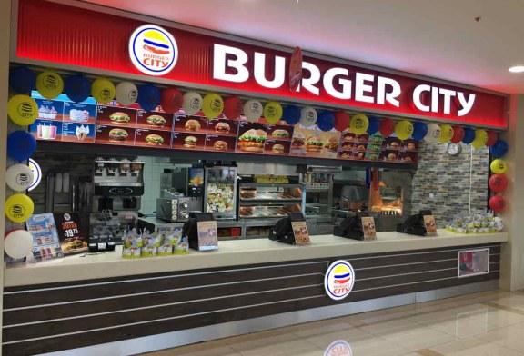 """""""Burger City"""" Mağusa'da açıldı"""
