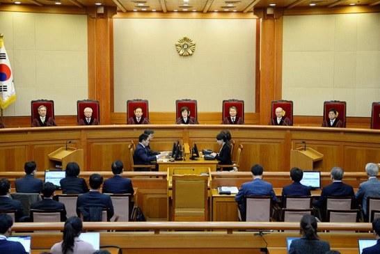 Güney Kore Cumhurbaşkanı azledildi
