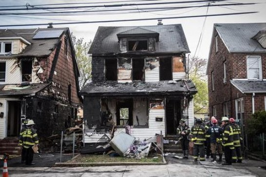 New York'ta sabaha karşı yangın