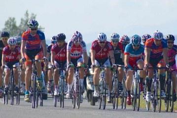 Pedallar yolda döndü