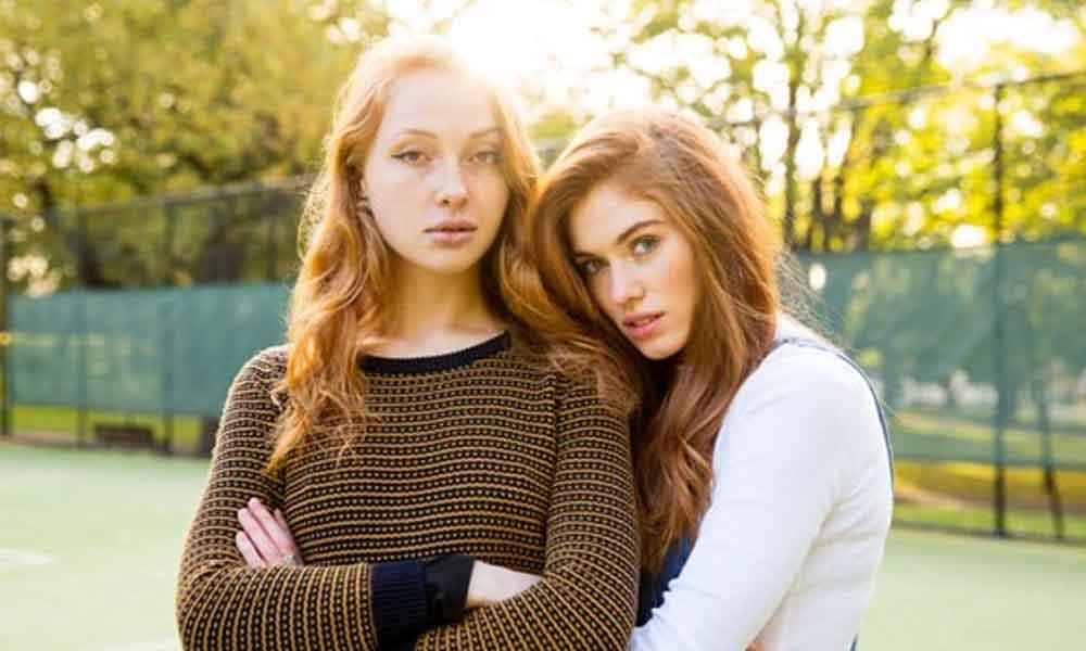 Photo of Kızıl saçın ender güzelliğini fotoğraflamak için dünyayı gezdi