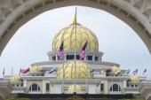 Malezya kralı resmen tahta çıktı
