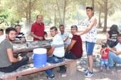 Boğaz'da çöplerle mangallar iç içe geçti