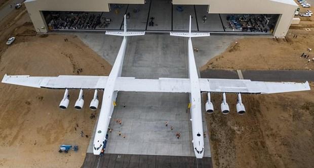 Photo of Dünyanın en büyük uçağı havalanıyor