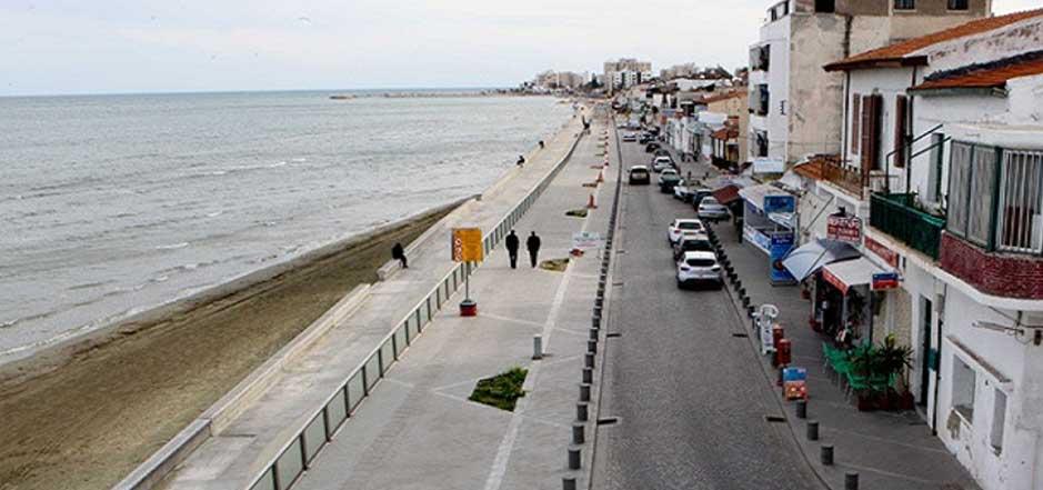 Larnaka sahilinde bir kadın ölü bulundu