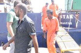 Mülteci karşı geminin kaptanı ve mürettebatı tutuklandı!
