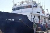 Gemi yasadışı göçmen taşıyor
