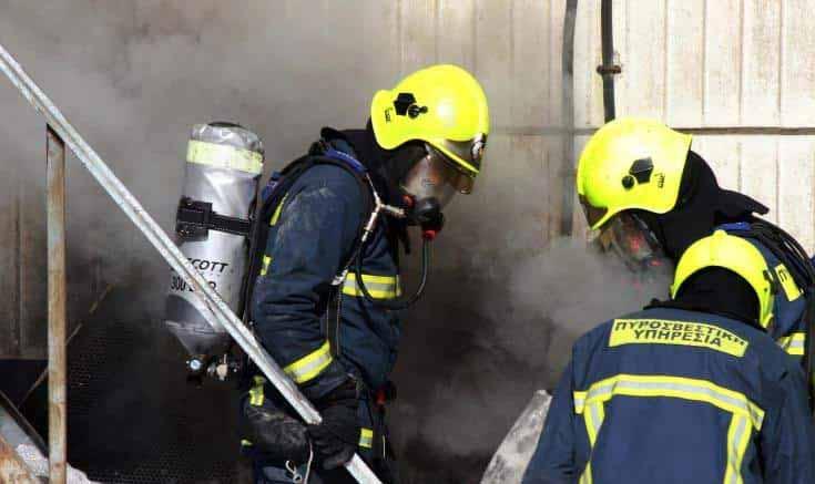 Photo of Güney Lefkoşa'da 6 katlı bir apartmanda yangın