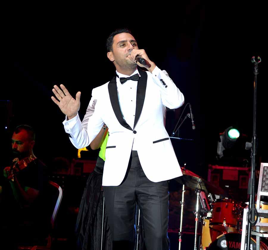 """Photo of İpek, """"Bir Alo De"""" dedi"""