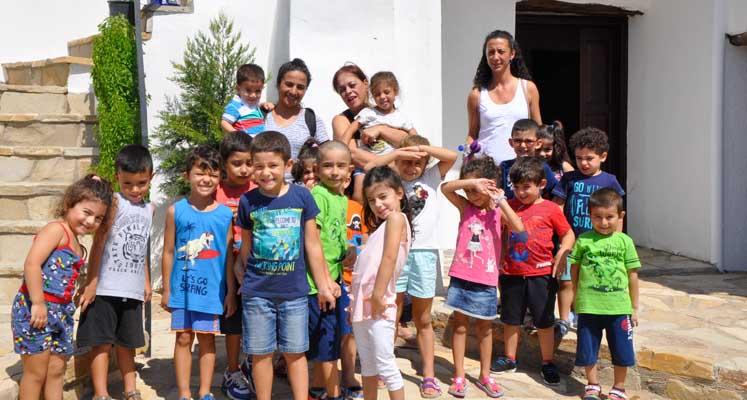 Photo of Ünlü Ressam Bayhanlı Montessori çocuklarını ağırladı