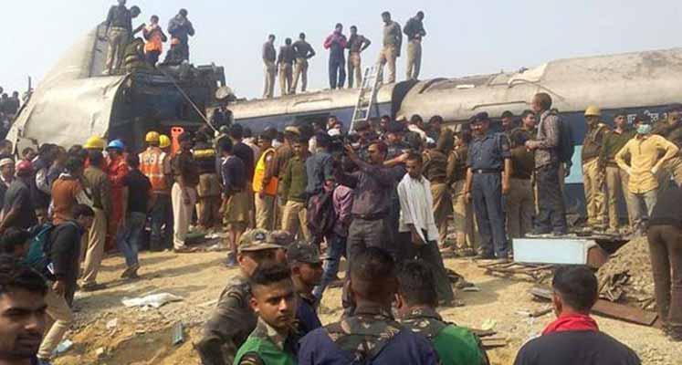 Photo of Hindistan'daki tren kazasında 10 kişi öldü