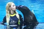 Uzerli'nin foku öpmesi olay oldu