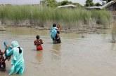 Muson yağmurları bir köyü yok etti