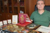 Barış Harekatını yürüten Sancar'ın madalyaları Bit Pazarında satılıyor!