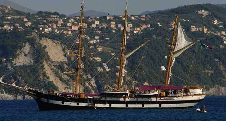 Dev yelkenli Kıbrıs'a geliyor