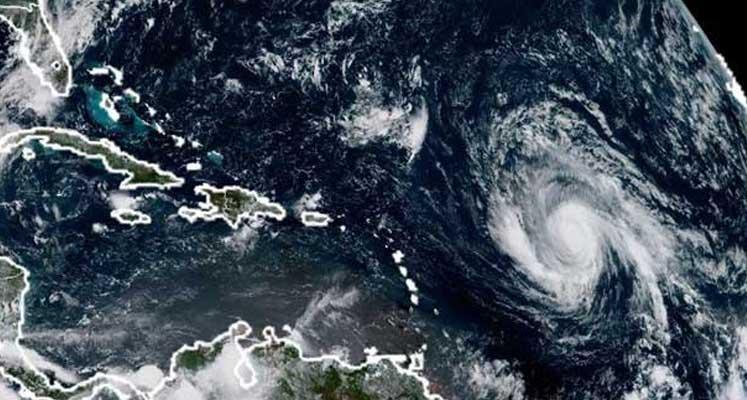 Photo of Irma Kasırgası karaya 220 kilometre hızla yaklaşıyor