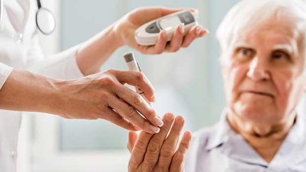 Her 3 şeker hastasından birinde görme sorunu var