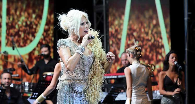 Ajda Pekkan Girne'de  müzik ziyafeti çekti