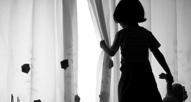 Photo of 300'e yakın çocuğa cinsel istismarda bulundu, 60 yıl hapse mahkum edildi