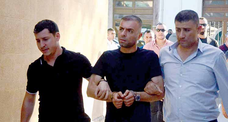 Photo of Çelik sınır dışı edildi