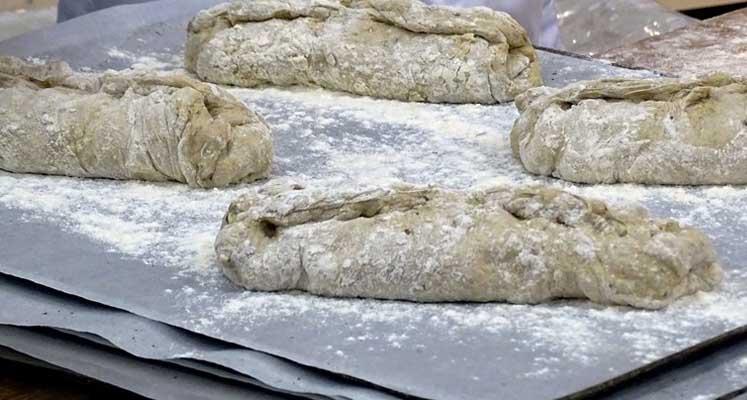 Photo of Böcekli ekmekler raflara çıkıyor