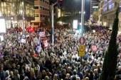 On binlerce İsrailli Netanyahu'yu protesto etti