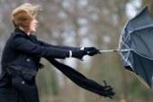 Fransa'da fırtına şiddetini artırıyor