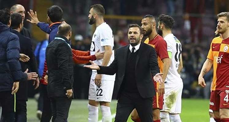 Okan Buruk Galatasaray'dan özür diledi