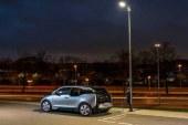 Hollanda'da Sokak Lambaları Otomobil Şarj Edecek