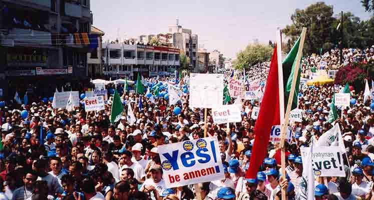 Photo of İkna edemezsen Şarkı Çal: Kıbrıs'ta Seçimler ve Seçim şarkıları