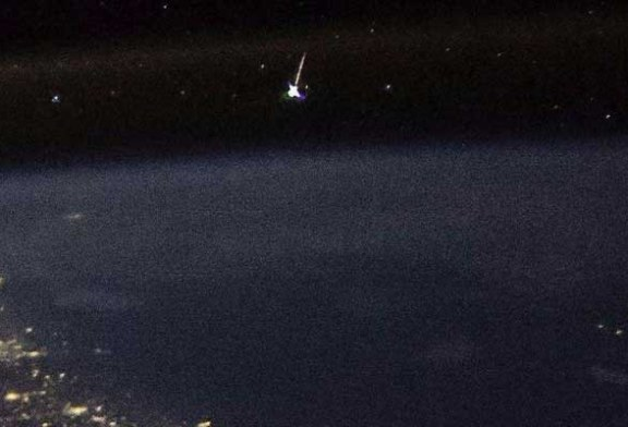 NASA Astronotu Yıldız Kaymasının Uzaydan Görüntüsünü Çekti