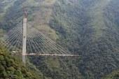 Kolombiya'da köprü inşaatında çökme