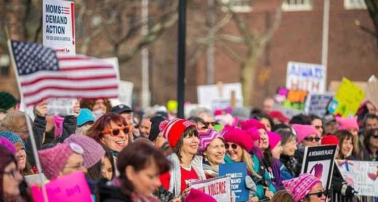 california-kadınlar-yürüyüşü