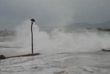 Rüzgar bazı bölgelerde 100 kilometreyi aştı