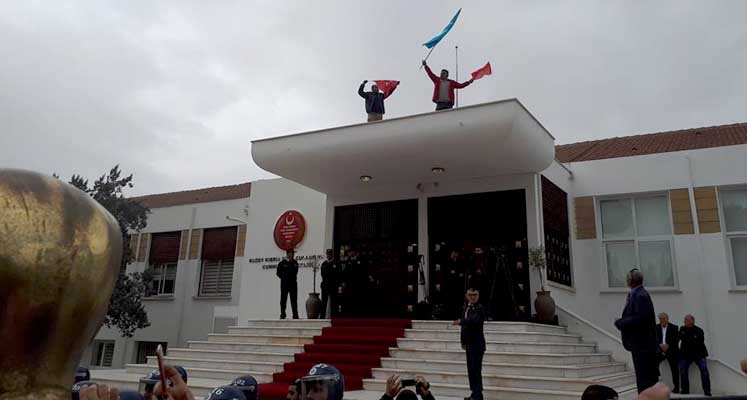 Protestolarda gözaltına alınan iki kişi serbest