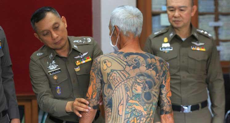 Photo of Facebook paylaşımı, 14 yıldır yakalanamayan Yakuza liderinin başını yaktı!