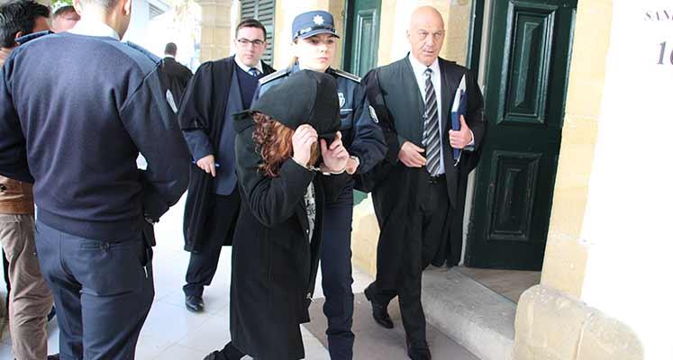 Photo of Yapıcı ve Şen 3 gün daha tutuklu