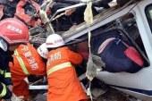 Çin'de yolcu otobüsü uçuruma yuvarlandı: 10 ölü