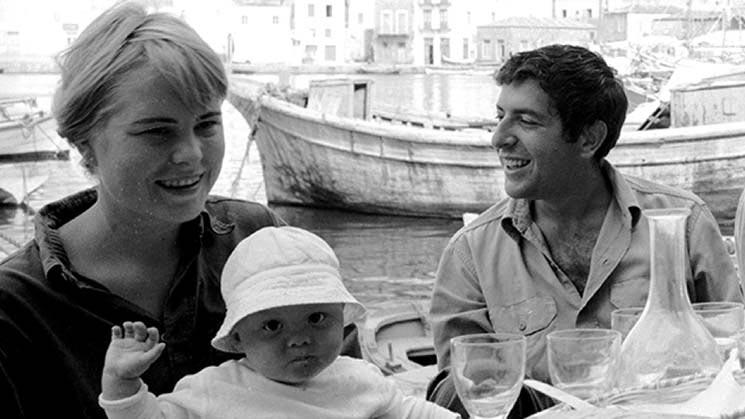 """Photo of En güzel aşk şarkısı """"So long Marianne!"""""""