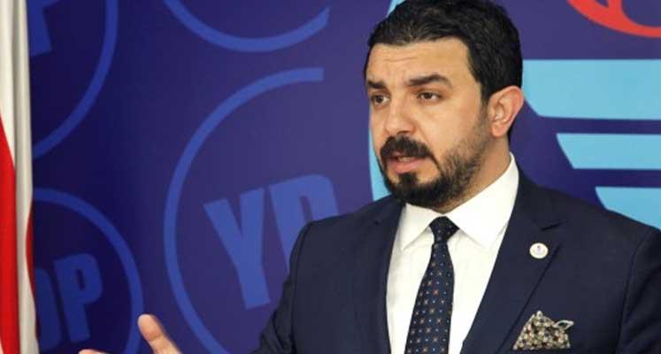 Photo of Zaroğlu'ndan sansür yorumu