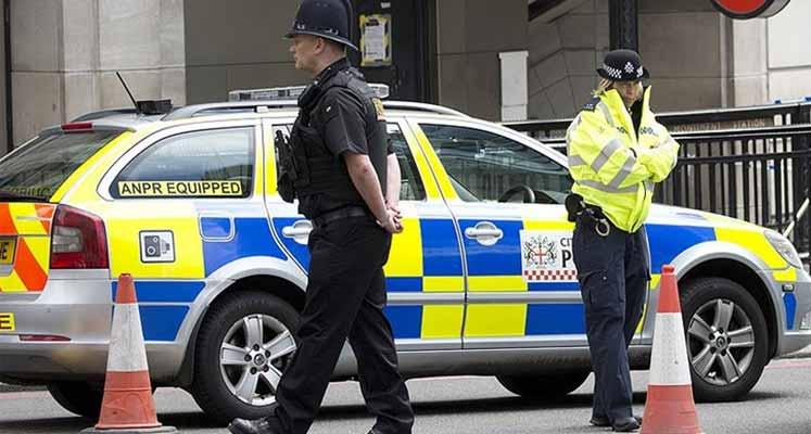 ingiltere-polis