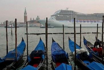 Venedik'te kanallar kurudu
