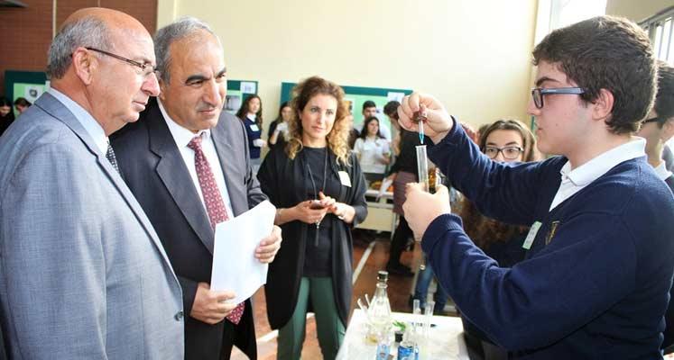 """Photo of Eğitim Bakanı Özyiğit TMK'da """"Fen Sergisi""""ni açtı"""