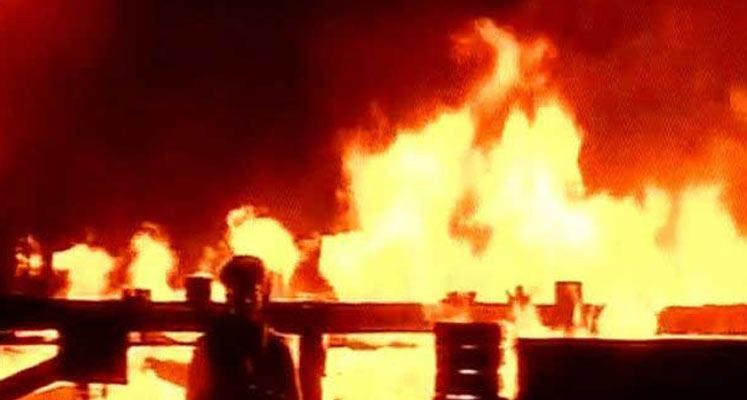 Photo of Hindistan'da fabrika yangını: 3 ölü, 13 yaralı