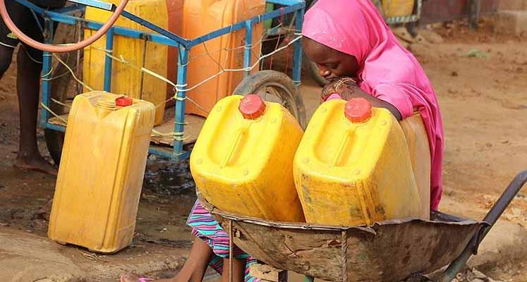 """Photo of Dünyada 2 milyar insan """"KİRLİ"""" su içiyor"""