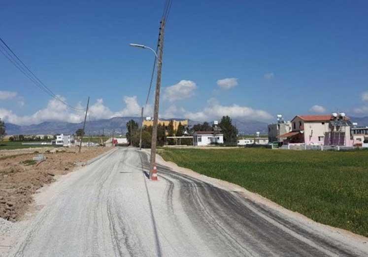 Photo of Yol Ortasındaki Elektrik Direkleri Sorunu