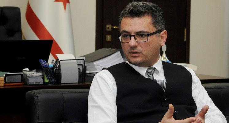 Photo of Erhürman, üç gazetecinin saldırıya uğramasını kınadı